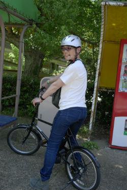 クロスバイク寄りのミニベロなら通勤にもイケる.jpg