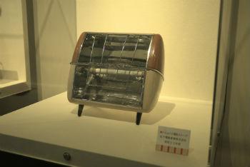 プラマイゼロの電気ストーブにも似ている.jpg