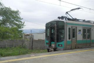 列車は東舞鶴方面へ進みます。.jpg